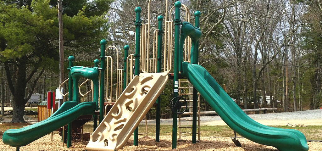 green play structure